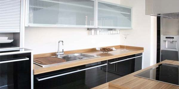 Decorar la cocina en tonos oscuros | Muebles Amets