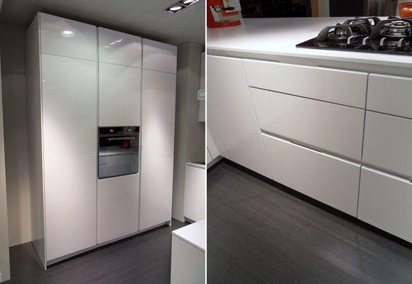 Una peque a cocina muebles amets for Frentes de armarios de cocina